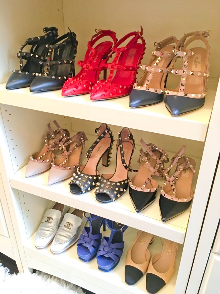 walk-in-closet-shoes