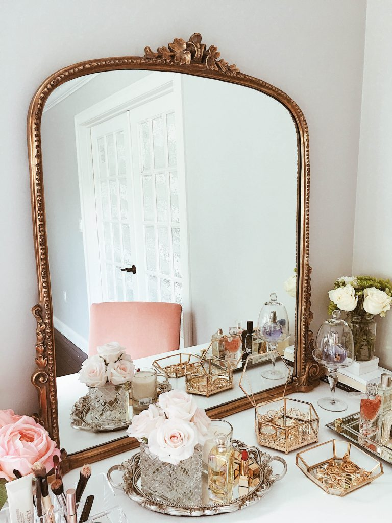 8 Chic Ways To Decorate Your Vanity Like A Parisian